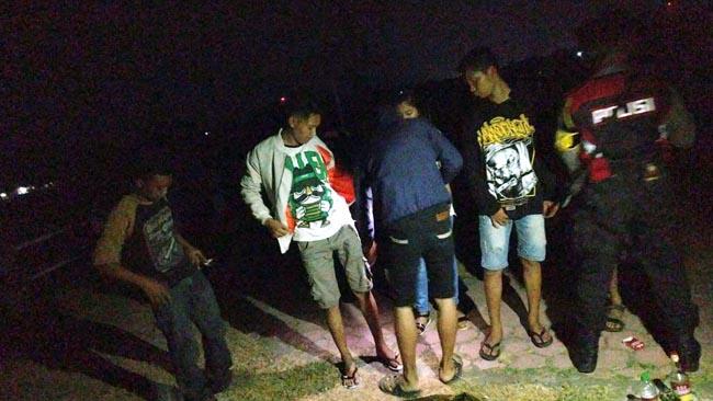 5 Remaja Pesta Miras Diamankan Patroli Sabhara Polres Situbondo