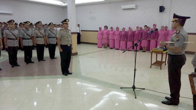 Polres Jombang Gelar Sertijab Kasat dan Tiga Kapolsek