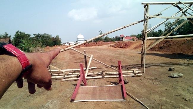 Warga Bintaos dan Krajan Tutup Akses Masuk Truk Pengangkut Material Proyek Tol Pas-Pro