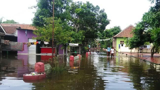 1.Rumah warga Dusun Pojok,Desa Lajuk,Porong terendam banjir