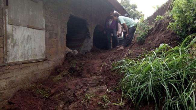 5 Rumah di Tiga Dusun Rusak Berat, 1 Orang Terluka Akibat Longsor