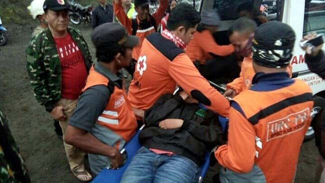 Evakuasi 9 Pendaki Gunung Kelud yang Tersesat Tuntas