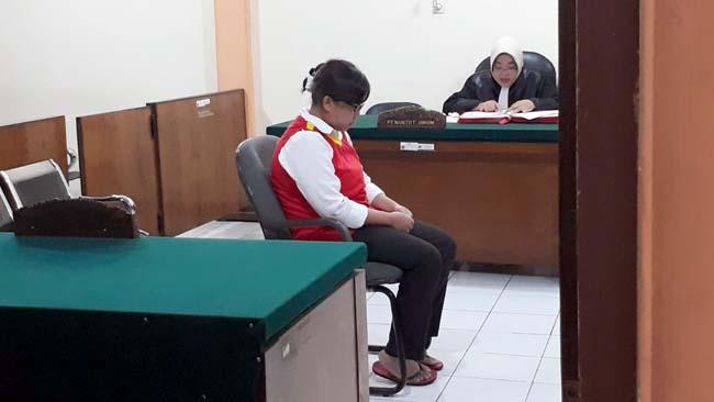 Mirna Cempluk Dituntut 1 Tahun 3 Bulan Penjara