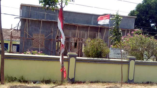 Pembangunan Kantor Desa Alasrejo Dipertanyakan Warga