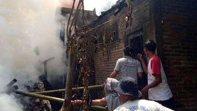 Rumah Pak Haji Nyaris Ludes Terbakar