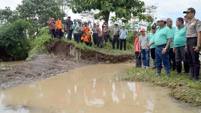 Tanggul Sungai Unut Jebol, Sutojayan Kembali Banjir