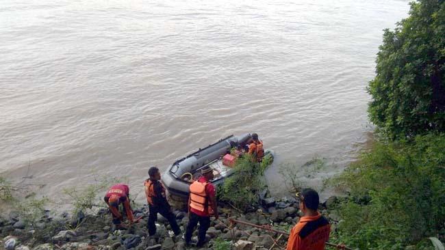 Basarnas Belum Temukan Supo dan Mobilnya yang Terjun ke Sungai Brantas Rolaksongo