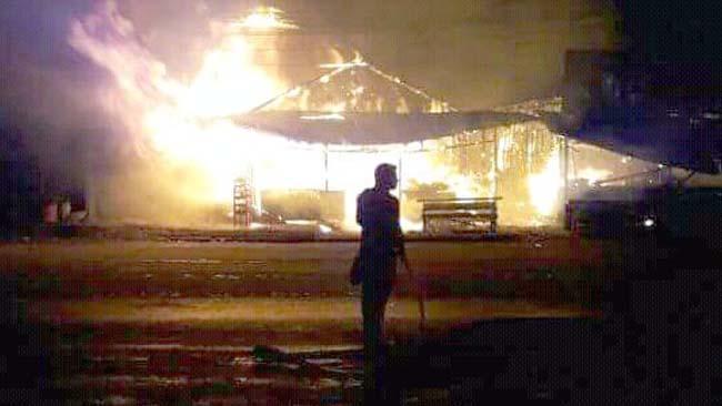 Delapan Warkop dan 54 Motor Karyawan Mie Sedap Ludes Terbakar
