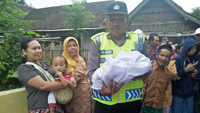 Bayi Mati Dibuang di Mushola Poncokusumo, Pembuangnya Sisipkan Nama dan Permintaan