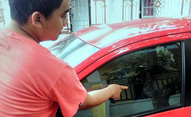 Ditinggal Jumatan, Kaca Mobil Dipecah Maling, uang Rp 250 Juta Amblas