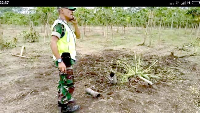 Roket Pindad Nyasar dan Meledak di Kebun Warga Bago-Pasirian
