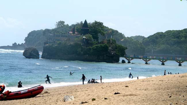 Wabup Malang Minta Kasus Satpam Pantai Balekambang Main Tampar Harus Dilaporkan ke Polisi