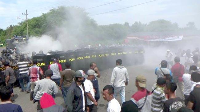 Hari Pertama Kampanye Calon Bupati Probolinggo Ricuh