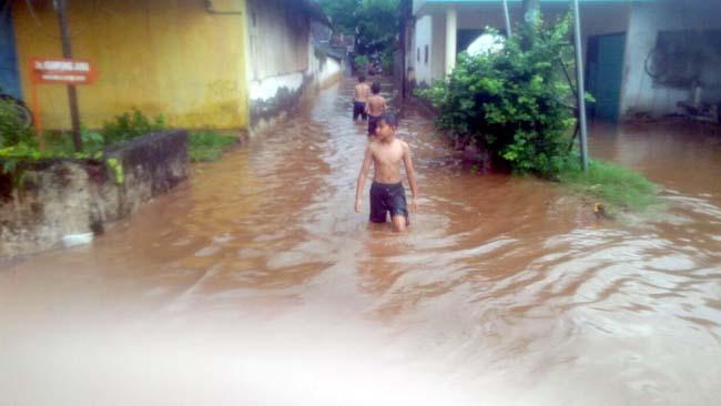 Hujan Lebat Seharian, Rendam Dusun Possumur Desa Bengkak, Wongsorejo