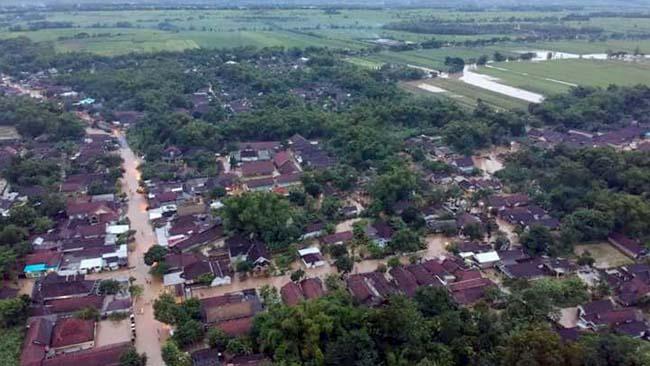 Sembilan Kecamatan di Jombang 'Tenggelam', Ribuan Direndam Banjir