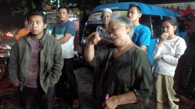 Sehabis Hujan, Jelang Petang Hindari Ngebut di Jalanan