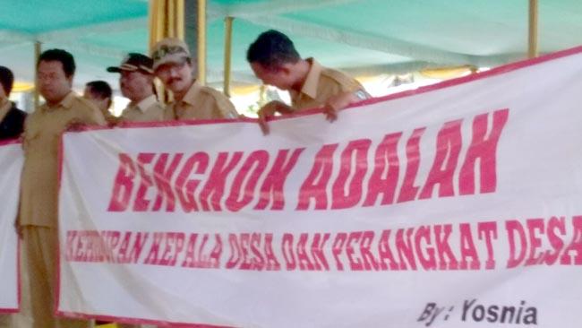 Luruk Pendopo Kabupaten Jombang, Ribuan Perangkat Desa dan Kades Tolak Perbup