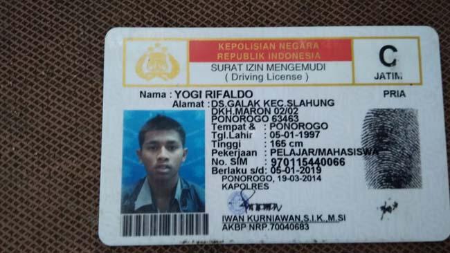 Mahasiswa Galak Ponorogo Nekat Nyemplung Banyu Anjlok