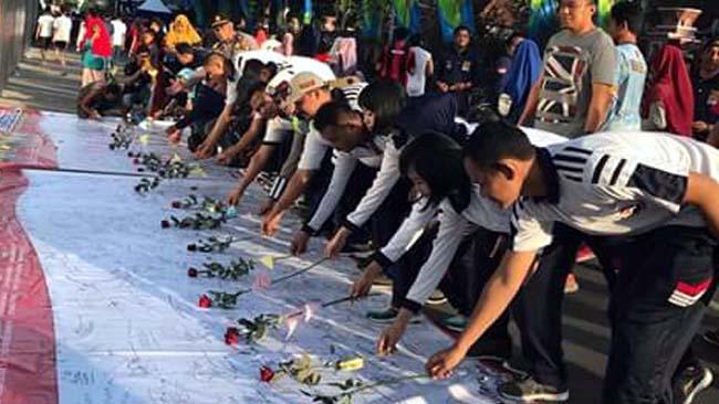 Ratusan Masyarakat Lamongan Gelar Aksi Solidaritas Lawan Terorisme
