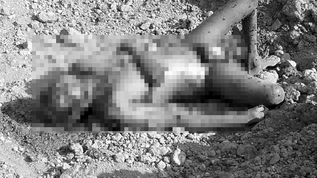 Kondisi mayat Mr X pasca ditemukan warga di area pengurukan Dusun Beringin,Desa Pamotan,Porong (Agus HP)