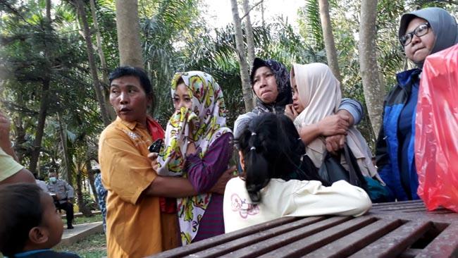Dua Anak Korban Longsor TPA Supit Urang Datangi Lokasi
