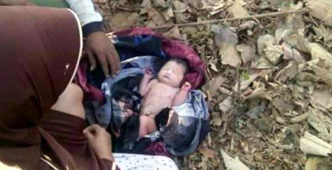 Bayi Berjenis Kelamin perempuan tergeletak di pinggir jalan, saat ditemukan Saminem warga Dusun Pringgodani