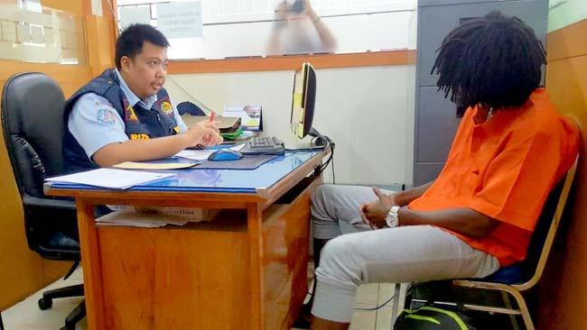 Palsukan Paspor, WNA Pantai Gading Ditetapkan Tersangka