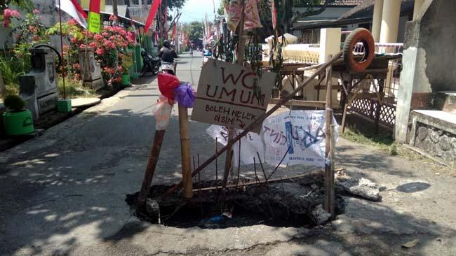 Gorong Gorong Jebol, Dijadikan WC Umum Oleh Warga