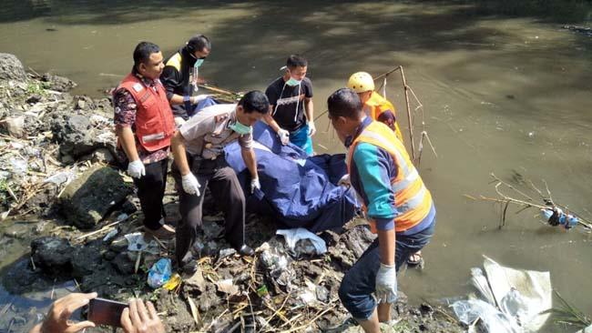 Mr X Membusuk di Sungai Brantas Arjowinangun