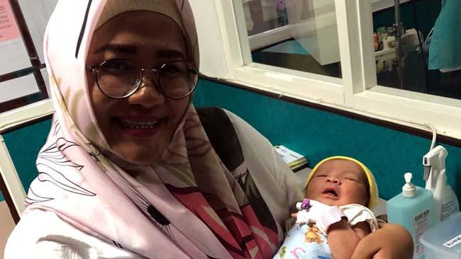 Bayi Perempuan Dibuang Ibunya Hidup-hidup