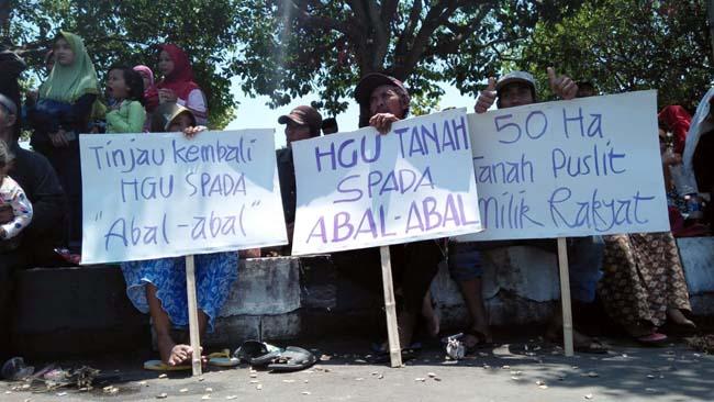 Hari Tani Nasional ke 58, Ribuan Petani Gelar Aksi damai di Depan Pemkab Jember