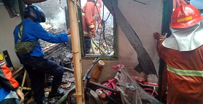 Kondisi rumah yang terbakar (gie)