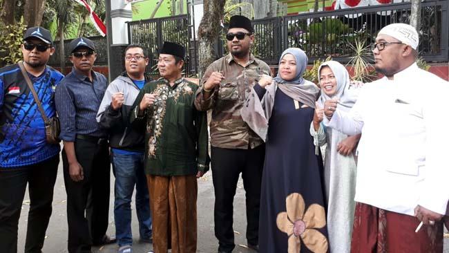 Syamsul Fajrih saat keluarganya foto betsama. (gie)