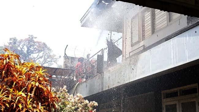 Diduga Konsleting Listrik, Rumah di Jl Welirang Terbakar
