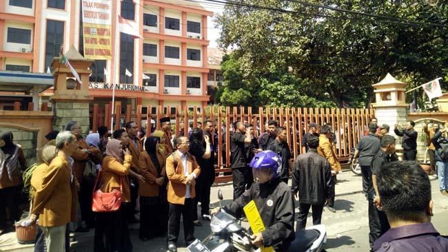 Dilarang Masuk Kampus Unikama, Pjs Rektor dan PPLP PT PGRI Kubu Christea Ngadu ke L2DIKTI