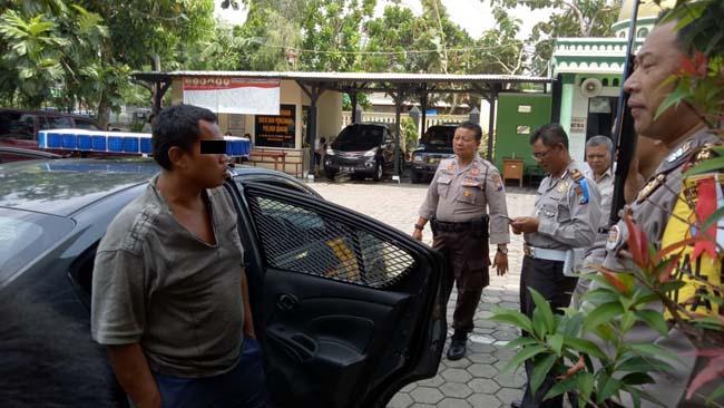 Arek Jombang Ngamen di Kota Malang, Tidak Dikasih Uang, Pecahkan Kaca