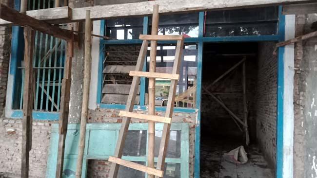 Di Lumajang, Orang Tak Mengerti Aturan pun Bisa Jadi Pengawas Proyek