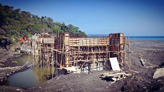 Proyek Miliaran 'Mangkrak' Ketua Komisi B DPRD Lumajang Angkat Bicara