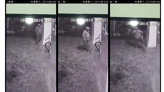 Aksi Pencuri Sepeda Terekam CCTV