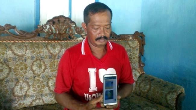 RUGI : Mulyono korban Penipuan Pinjaman Online. (yud)