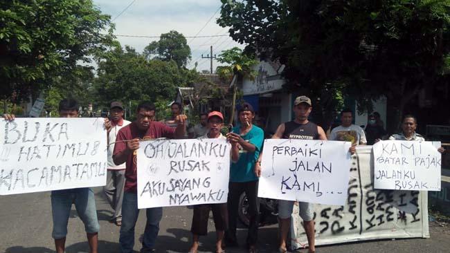 Lubang Maut Jalanan Jember, Wakil Rakyat dan Pemerintah Buka Hatimu !