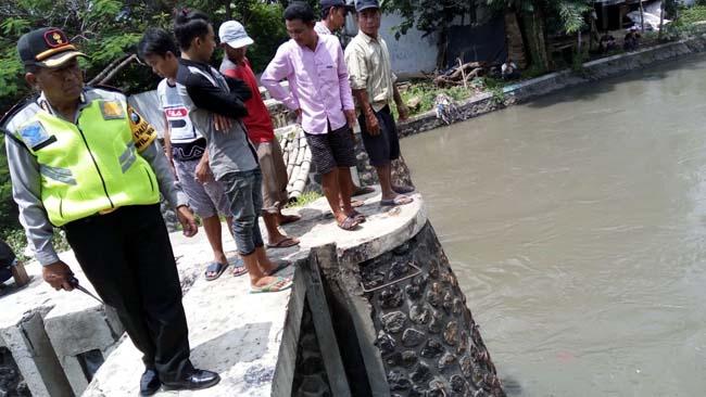 Balita 3,5 Tahun Tenggelam di Sungai Buntung Waru