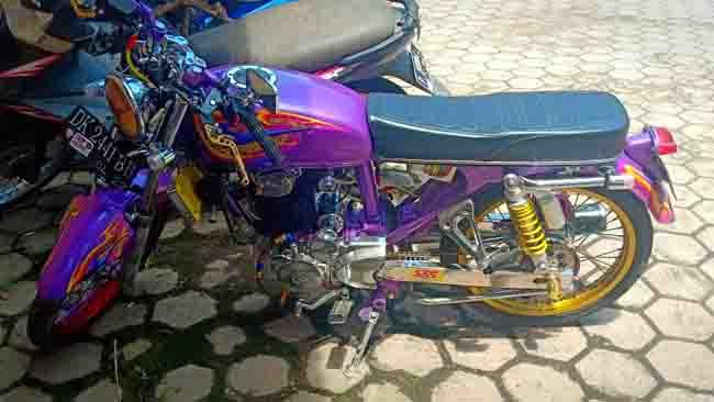 Sepeda Motor CB Curian Banyuwangi, Tabrak Ninja di Jember, Joki Kabur