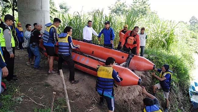 Sisir Sepanjang Sungai Porong, Jasad Santoso Belum Ditemukan