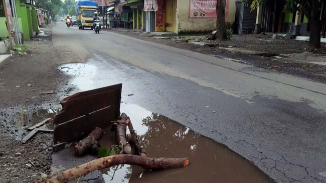 Jalan Pilang - Wonokasihan Rusak Parah