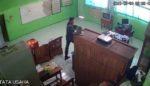 Maling Laptop Satroni SD Ketawangede, Terekam CCTV