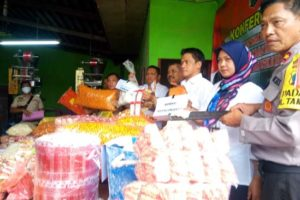 Polda Jatim Grebek Pabrik Makanan Ringan di Taman Sidoarjo