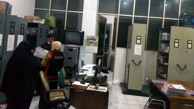 Korupsi Dana UP Rp 403 juta, Bendahara dan Staf DPRD Situbondo Divonis 3,6 Tahun