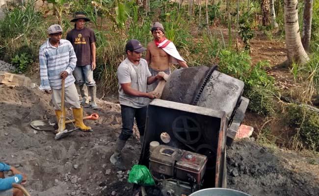 CONTOH : Pembangunan Rabat Betton di Dusun Purwodadi. (Istimewa)