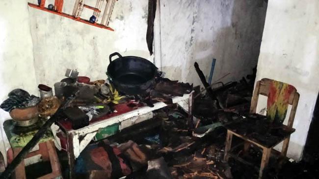 Kondisi rumah terbakar